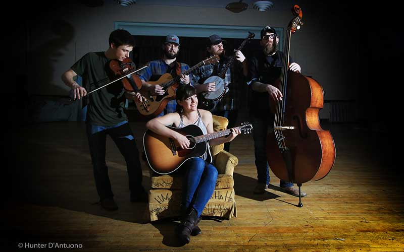 Lanie Lou and the Bird Dogs, band photo by Hunter D'Antuono.